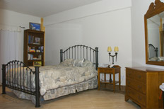 photo of downstairs bedroom